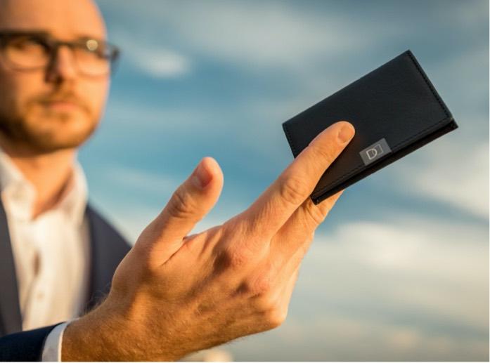 DUN Fold – incredibly slim wallet_mobile2