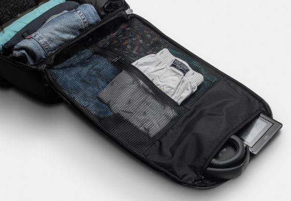 DUN TravelPack - minimalist interior